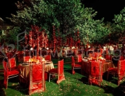 Contemporary-wedding-decor-outdoor