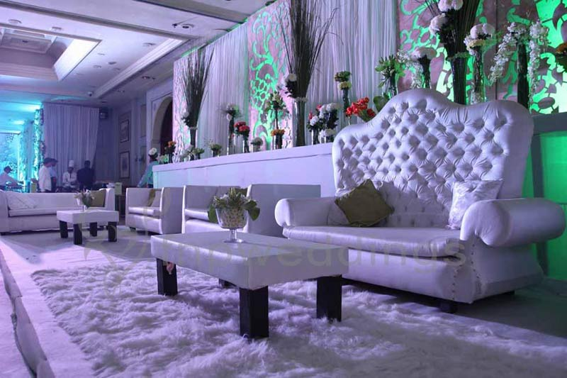 http://www.fnpfloraltouch.ae/wp-content/gallery/furniture/wedding-furniture-2.jpg