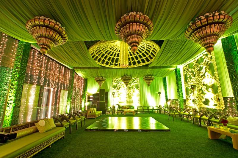 Traditional wedding theme designs fnp floral touch dubai wedding decorators junglespirit Choice Image